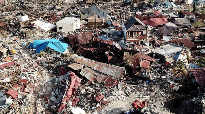 Jumlah Korban Gempa dan Tsunami di Sulawesi Tengah Sudah Mencapai 1.763 Orang