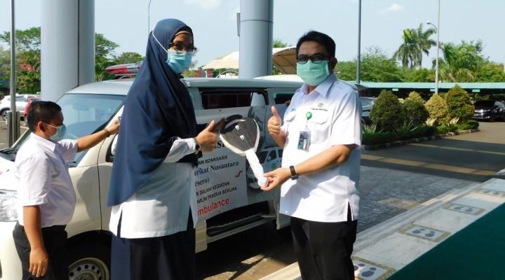 Pasien Covid-19 Terus Bertambah, RSU Pekerja Disumbang Mobil Ambulance oleh KBN